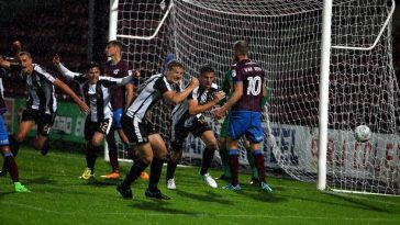 Shaun Brisley right makes it 2 2 to Notts County against Scunthorpe United