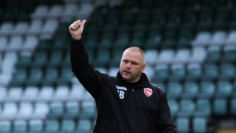 jim bentley morecambe manager thumbs up 3779851